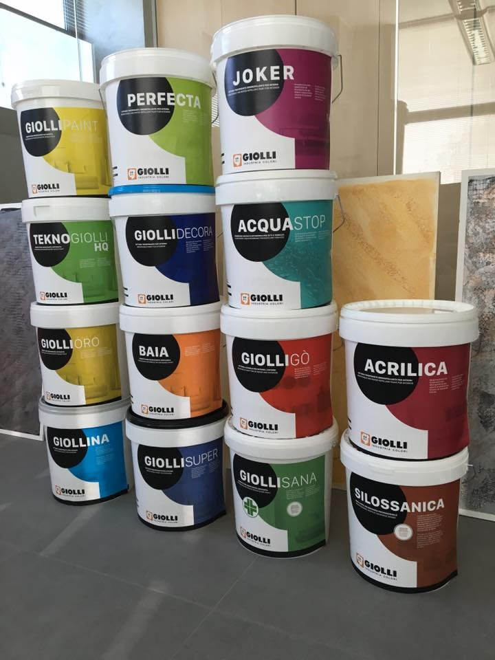 Nowe opakowania farb firmy Giolli