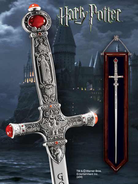 Wierna i oryginalna replika miecza Godryka Gryffindora z hilmu Harry Potter produkcji Noble Collection