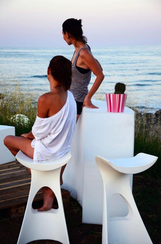 Designerskie stołki barowe o futurystcznej formie Koncord Slide