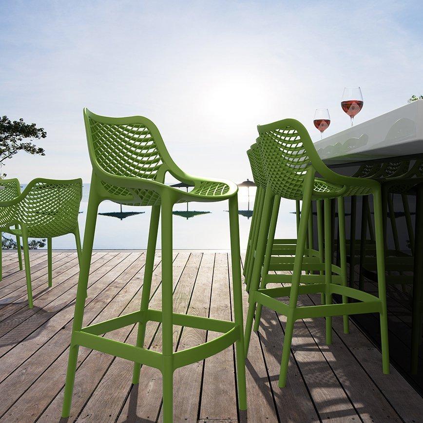 Kolorowe stołki barowe