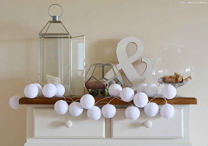 Desigenrska girlanda Cotton Ball Lights White