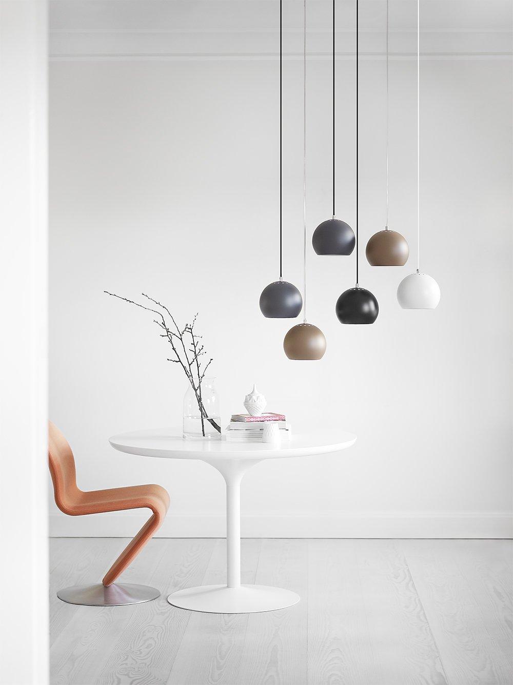 Lampy Ball - pojedyncze wiszące kule Frandsen