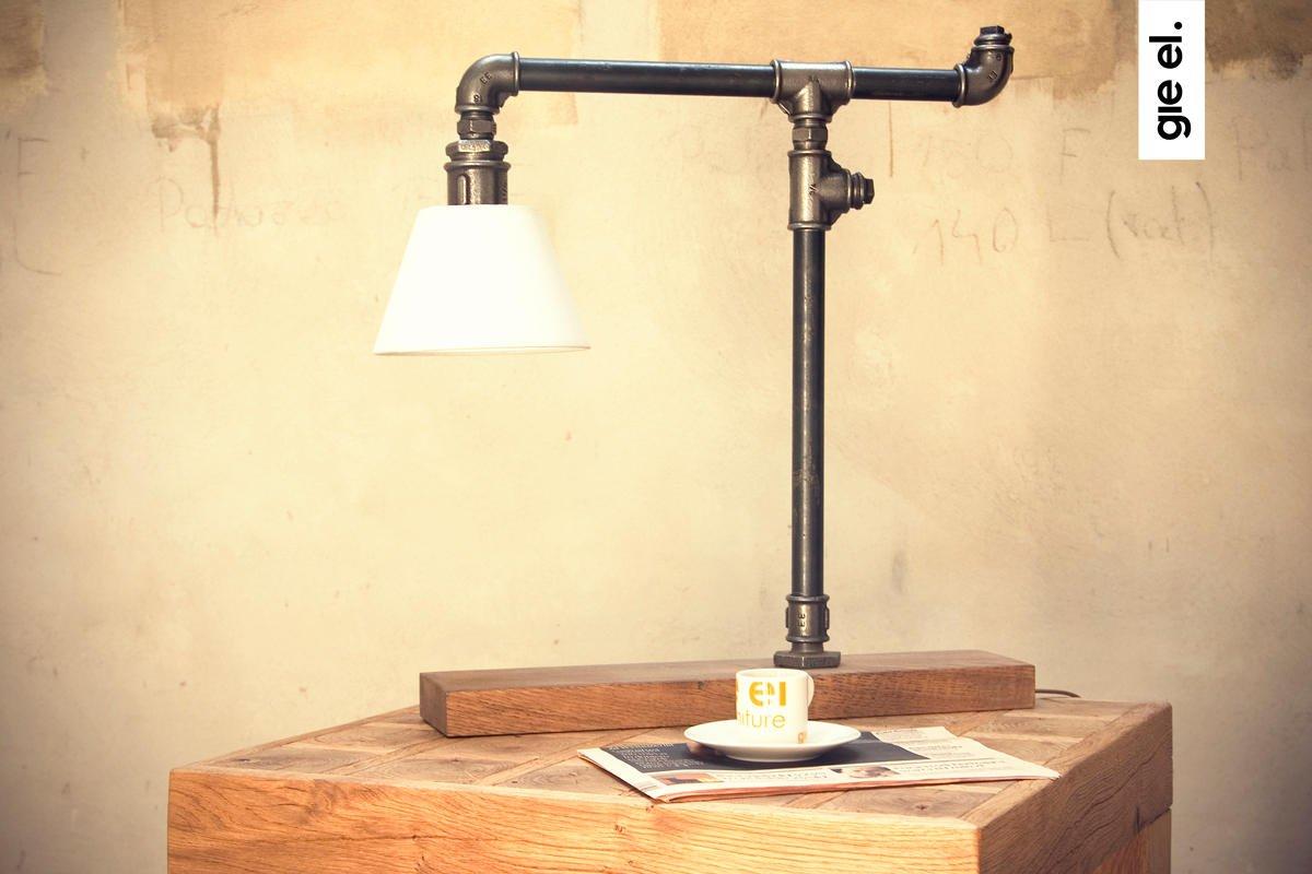 Nowoczesna lampka biurowa z rurek metalowych