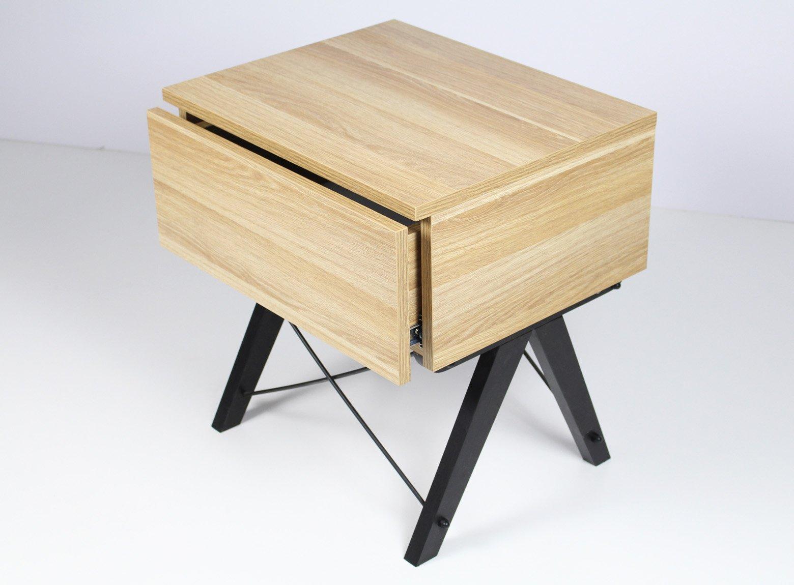 Stylowa szafka nocna w kolorze drewnianym Minko