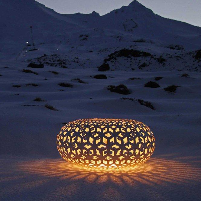 Piękne, misterne lampy David Trubridge