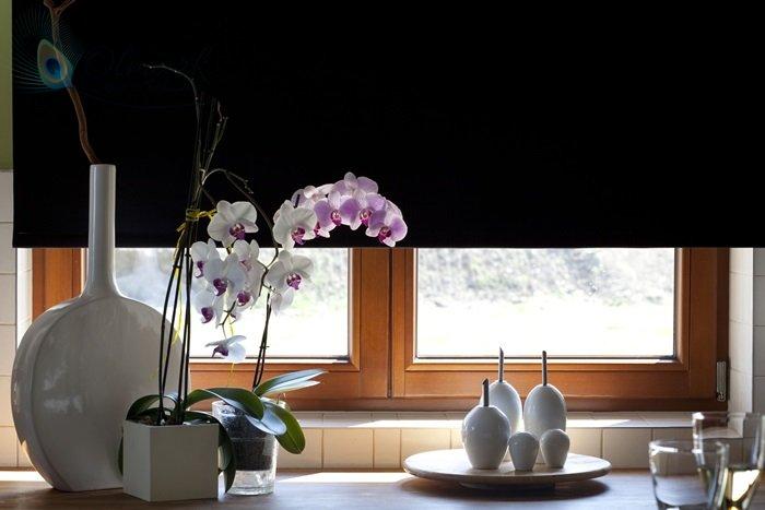 Roleta podgumowana na oknie kuchennym 2