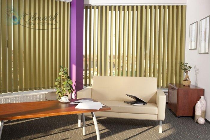 Zielone verticale w biurze 2
