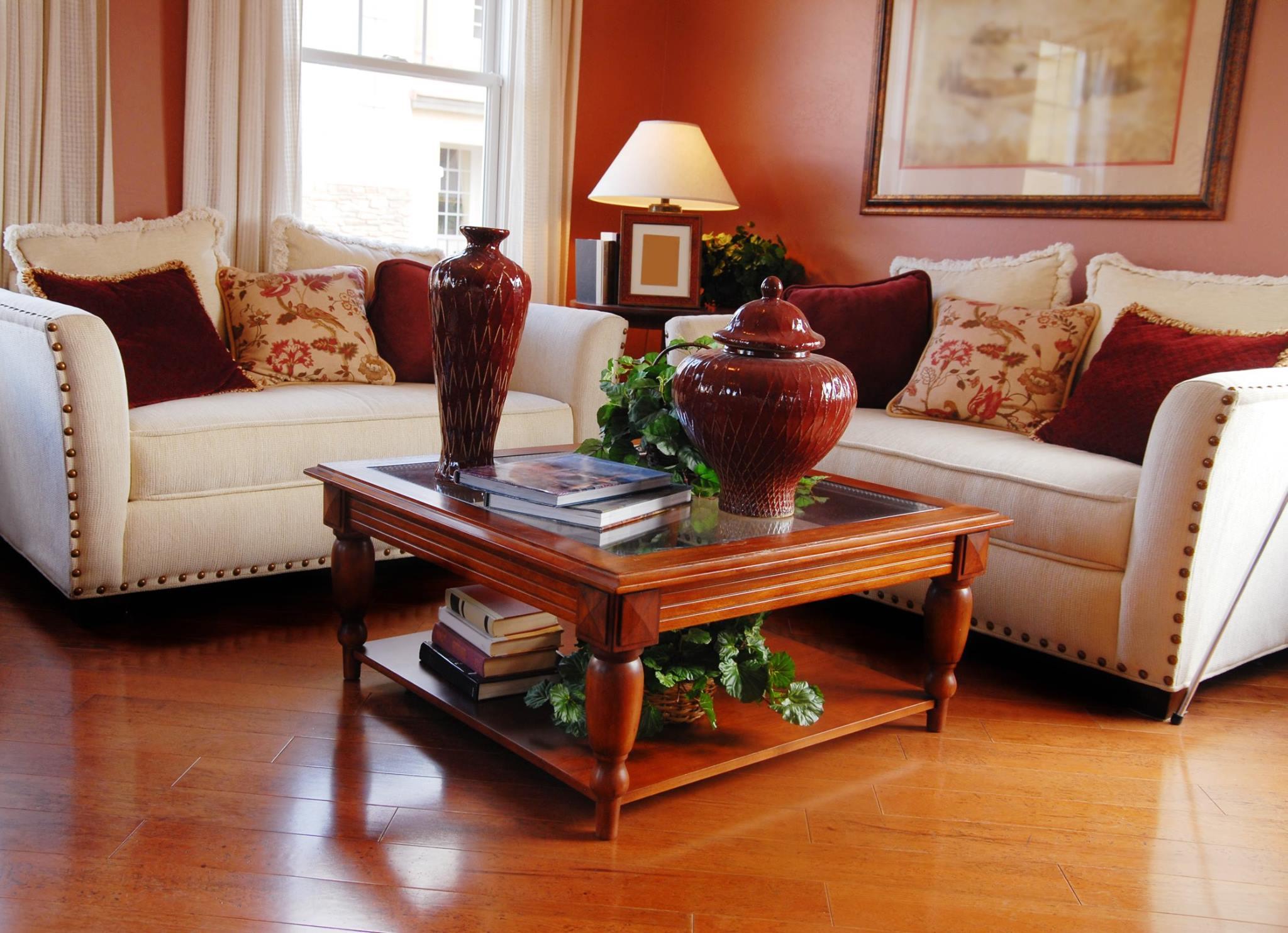 Salony saloniki jadalnie dekoraje do salonu for Model home interior pictures