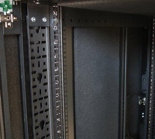AR4018IX429 Wyciszona meblowa szafa serwerowa - NetShelter CX 18U, wykończenie czarne