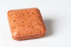 Mydło peelingujące z drobinkami roślin EGLANTINE (Dzika róża) 100 g