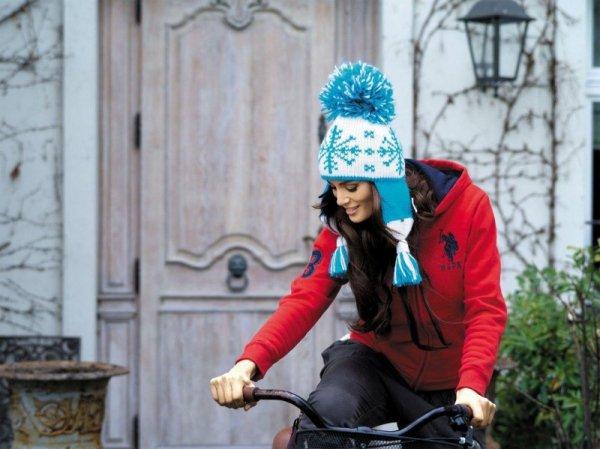 Kamea Lena biało-turkusowa czapka