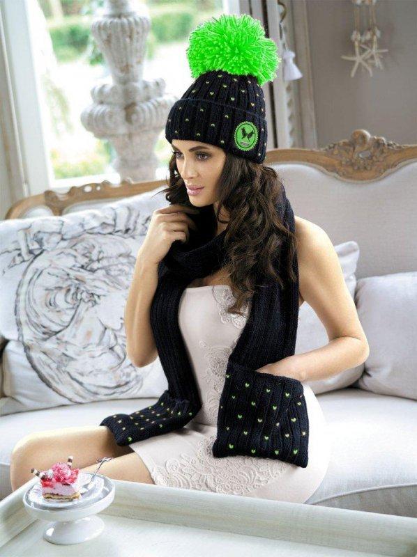 Kamea Krappa czarno-zielony szal czapka