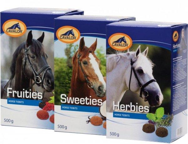 Ciasteczka dla koni SWEETIES, FRUITIES 0.5kg