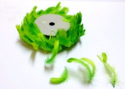 Piórka na druciku jasno - zielone 10m