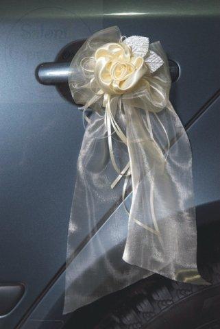 Bukiecik z organzy z satynowymi różami kremowy 2sz