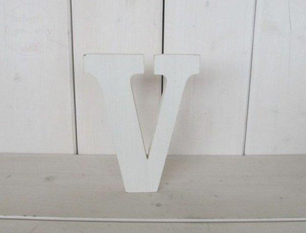 """Litera drewniana wys. 18 cm """"V"""" 1szt"""