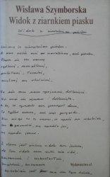 Wisława Szymborska • Widok z ziarnkiem piasku