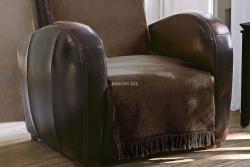 Koc jednolity czekolada na fotel