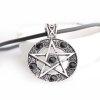 Pentagram Biały z czarnymi kryształkami - wisiorek na czarnej żyłce