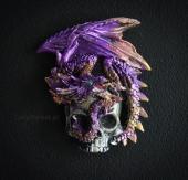 Fioletowy Smok z Czaszką - magnes