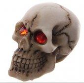 malutka Czaszka z czerwonymi oczami - figurka