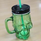 Zielona Czaszka - szklany słoik do napojów z uchwytem i rurką
