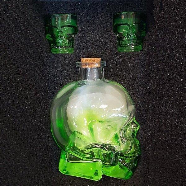 karafka butelka w kształcie czaszki, czaszka kieliszki czaszki zestaw do alkoholu