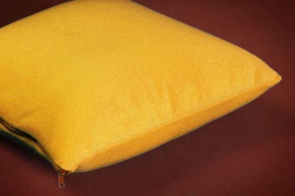 POSZEWKI POLAROWE na JAŚKI 40x40 ,przytulny polar wz. żółty