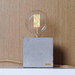 Lampka betonowa Edison Cube Mała