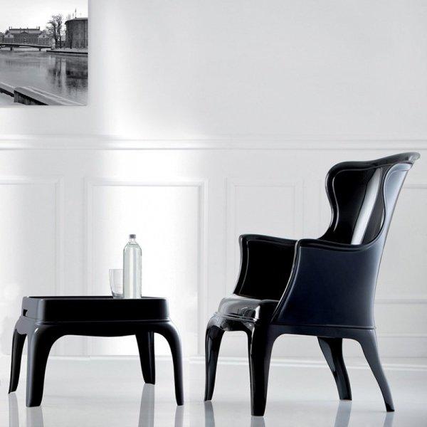 Stolik Pasha 661 jest idealnym meblem do wnętrz w stylu klasycznym