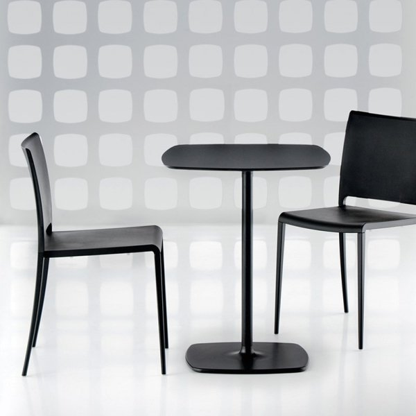 Stół Stylus 5400 z kwadratowym blatem