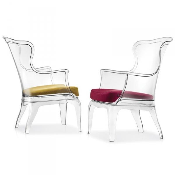 Transaprentne fotele Pasha można kupić z wygodną poduszką
