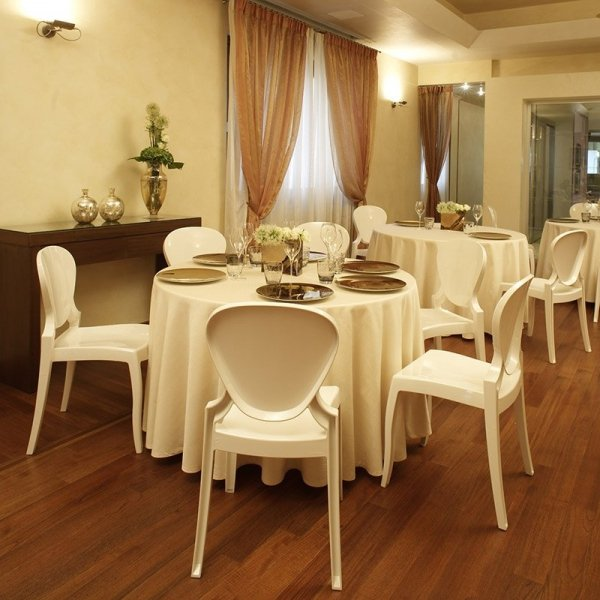 Idealne krzesła na wesela Queen 650 Pedrali