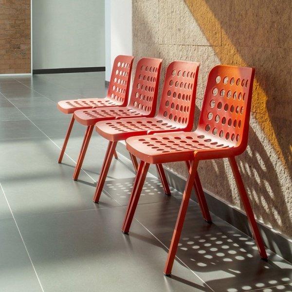 Krzesła Pedrali do poczekalni