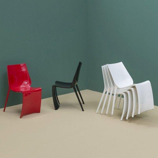 Krzesła Smart 600 Pedrali można sztaplować