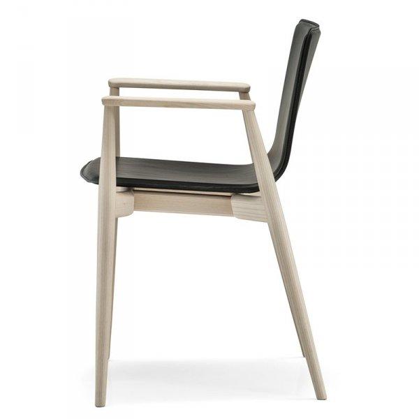 Designerskie krzesło tapicerowane w stylu skandynawskim Malmo 397