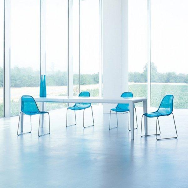 Nowoczesne krzesła do biura Day Dream 401 Pedrali niebieskie transparentne