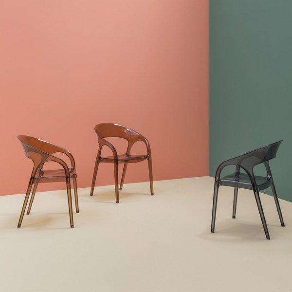 Nowoczesne krzesła o pięknej formie