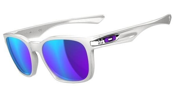 Oakley Garage Rock. Polished White/Violet Iridium OO9175-02