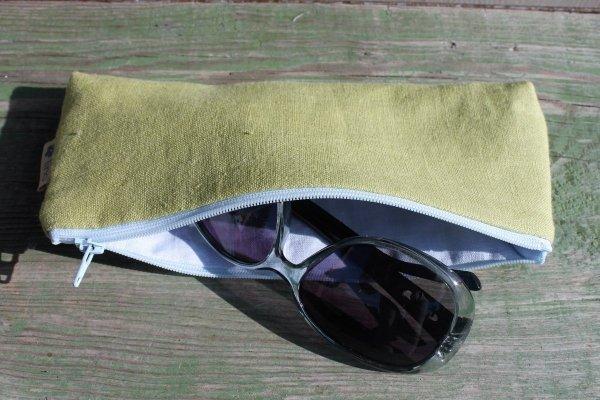Lniany piórnik (zielony)
