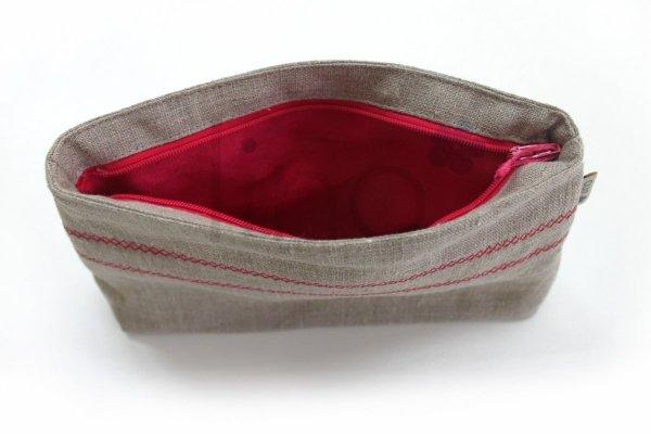 Lniana kosmetyczka (czerwony haft)
