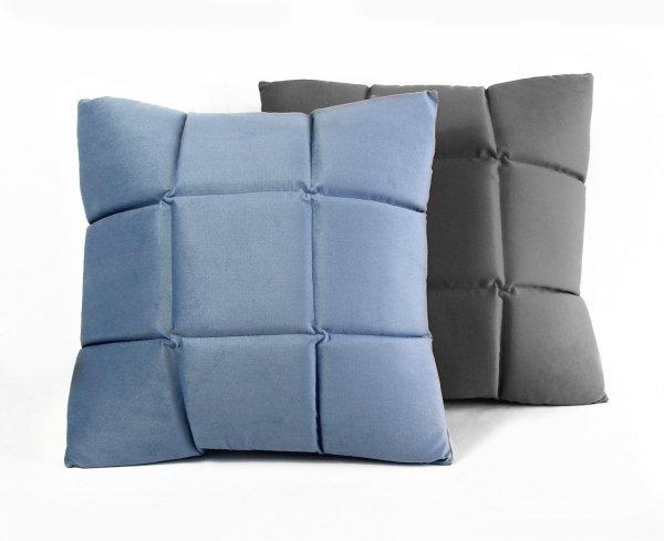 Trix duża poduszka dekoracyjna 50x50 cm. ciemny fiolet MOODI