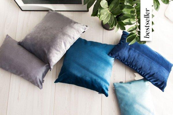 Velvet błękitna poduszka dekoracyjna 50x30
